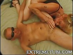 Amateur mature cd fucked by spectacled dude