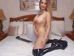 Sexy Blonde Shemale Gets Naughty im Her Leather Boots