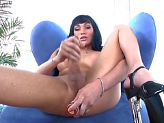 Shemale Stunner Mia Isabella Plays With A Toy