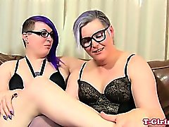 Spex tranny assfucked in plump twosome